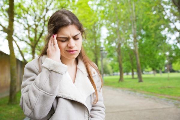 Czym są bóle przewlekłe? bol glowy 3 600x400