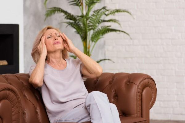 Ból głowy - jak przebiega migrena? migrena bole glowy 4 600x400