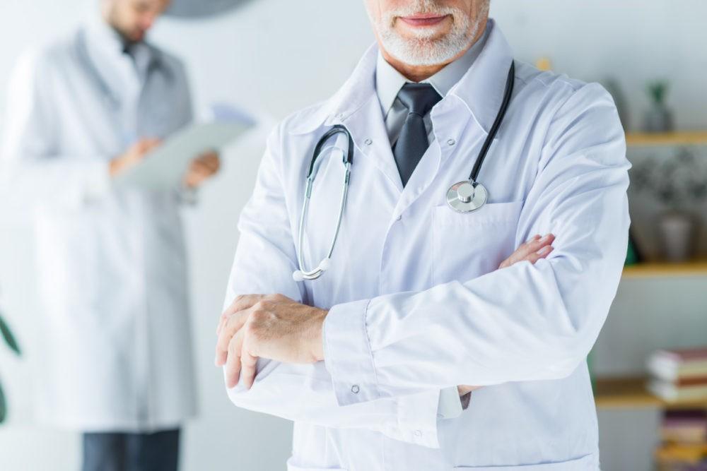 Что говорит наука о головной боли? migrena bole glowy lekarz 1000x667